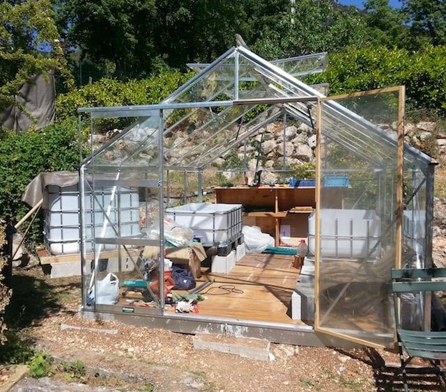La serre d'aquaponie en construction